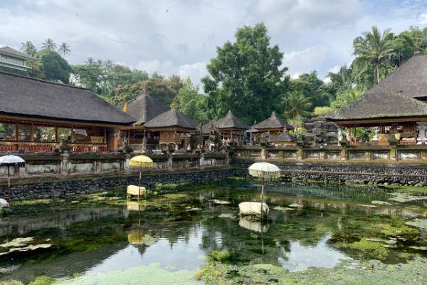 バリ島:ペクリサン川流域にある寺院「ティルタ・ウンプル」