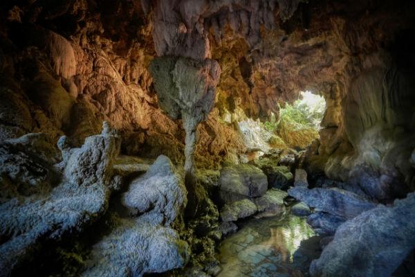 resolabo-boracay-bat-cave03