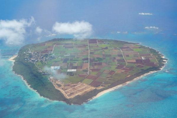 【宮古島市・来間島】上空から見た来間島の様子
