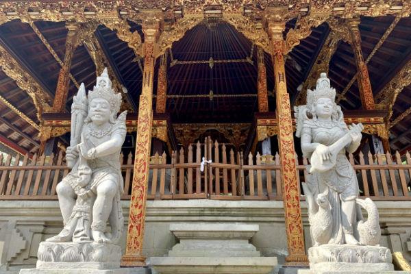 バリ島:ティルタ・ウンプル寺院