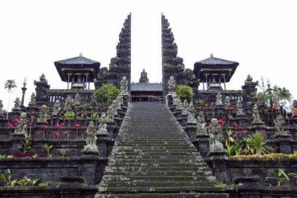 バリ島:ブサキ寺院