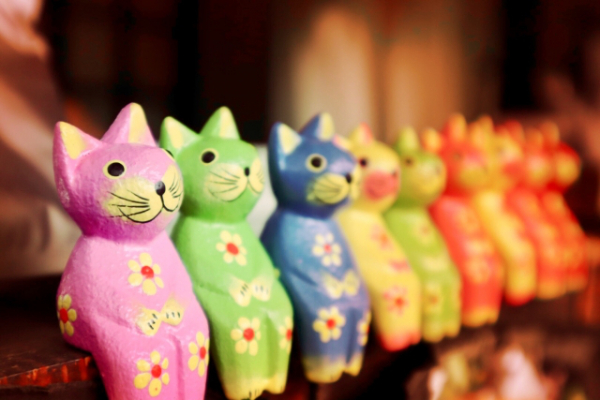 バリ島:木彫りの「バリ猫」