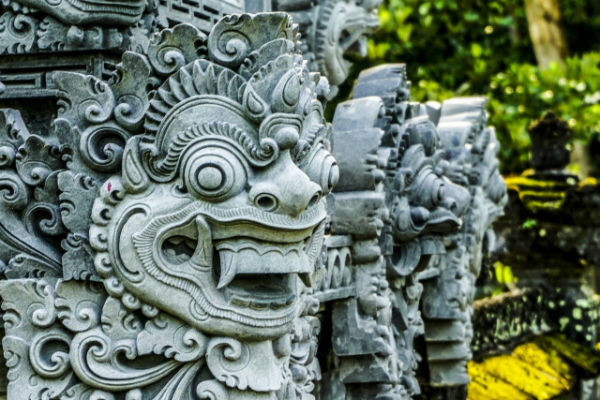 バリ島:聖獣「バロン」