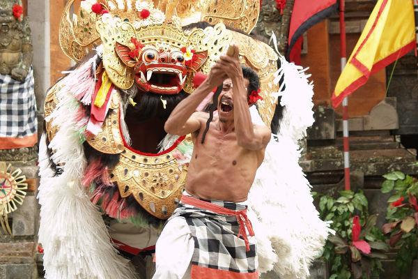 バリ島:バロンダンス