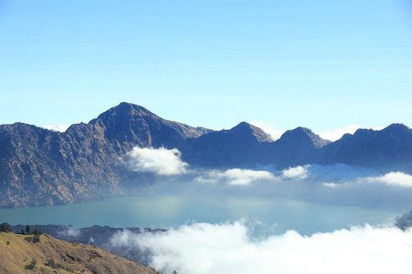 ロンボク島:リンジャニ山